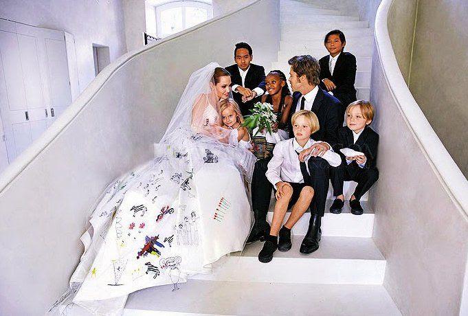 Brad Pitt & Angelina Jolie : People - 09/2014 photo Brad-Pitt-Angelina-Jolie-Wedding-Photo.jpg