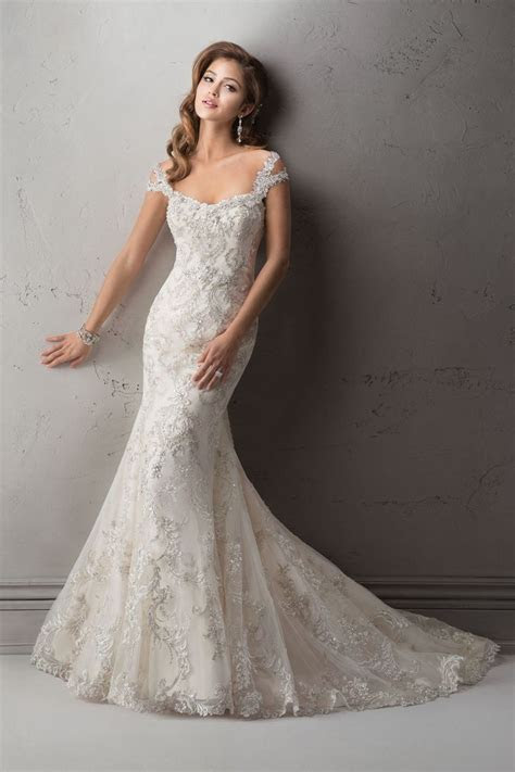 The 25 Most Popular Wedding Gowns of 2014   Wedding