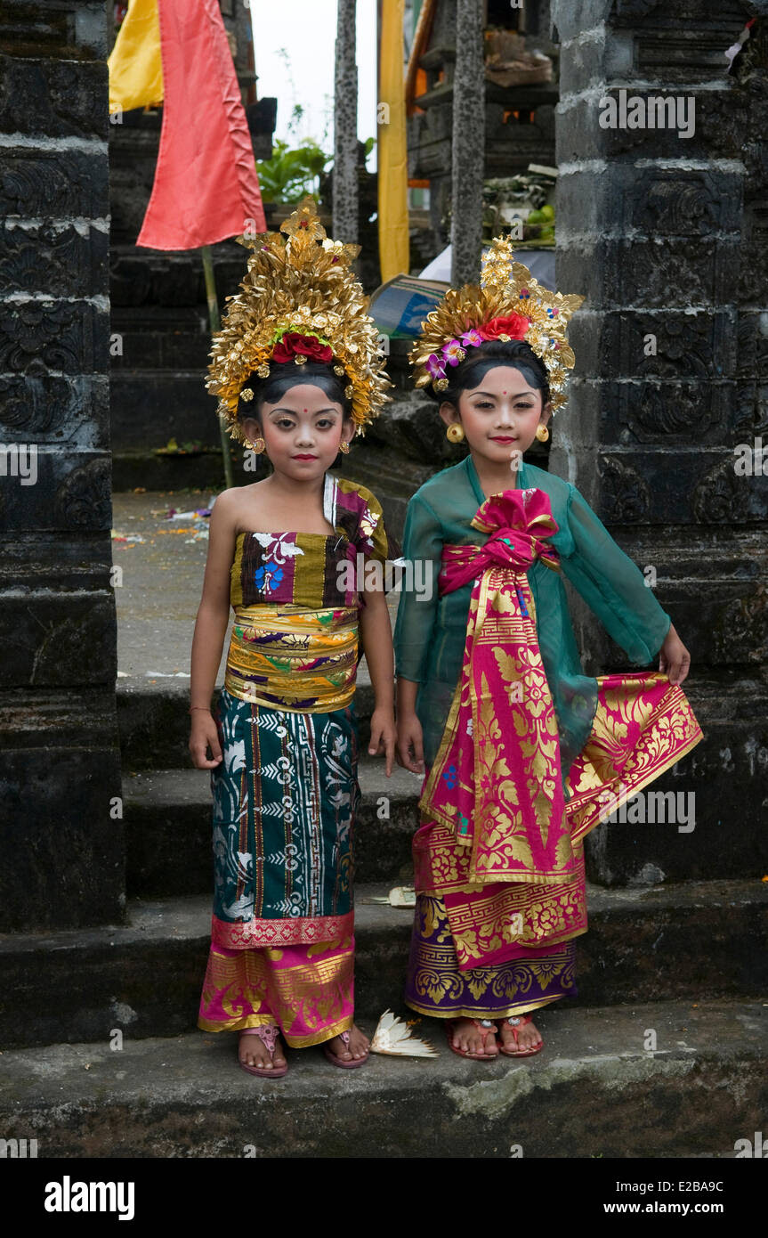 Indonesia, Bali, Bedugul, two young girls in traditional costume Stock Photo, Royalty Free Image