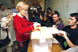 fg_arenys_gent_votant