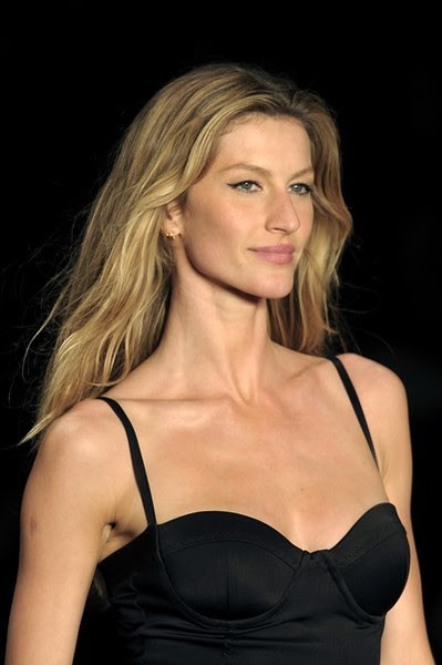 Gisele Bundchen No 1 - The World´s Highest Paid Model -  $45 million