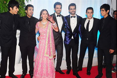 Esha Deol?s Wedding To Bharat Takhtani ? Photo, Date, Location