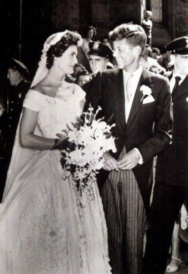 Jacqueline Bouvier marries John F Kennedy, 1953 Jacqueline