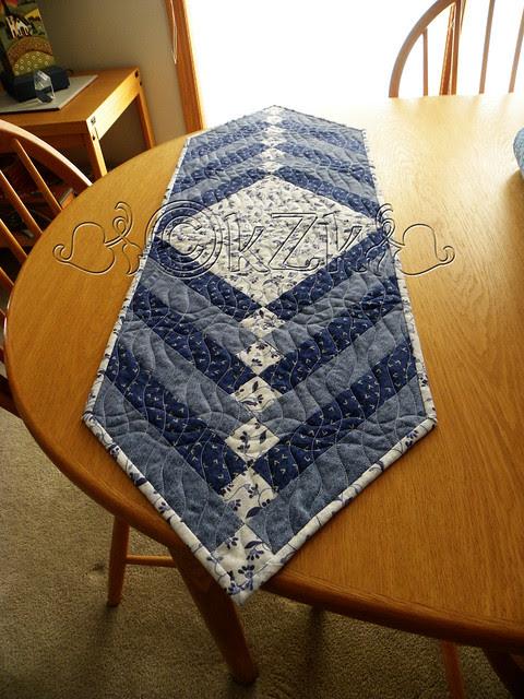 DSCN2248 Blue & White Table Runner II