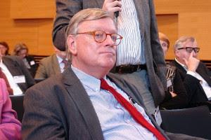 Prof. Dr. Ludwig Salgo. Ehemaliger Professor für Familien- und Jugendrecht an der Fachhochschule Frankfurt.