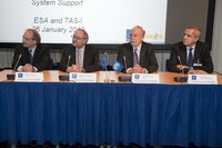 Signing Thales-Alenia contract