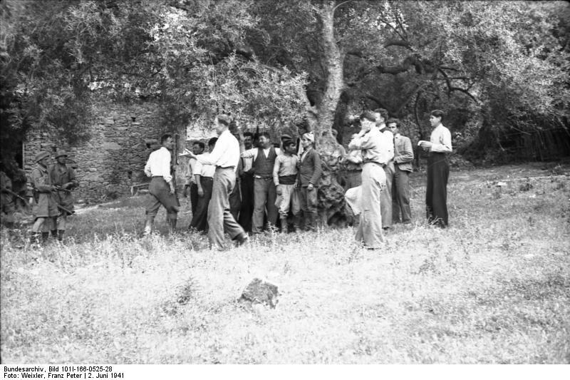 File:Bundesarchiv Bild 101I-166-0525-28,  Kreta, Kondomari,  Erschießung von Zivilisten.jpg
