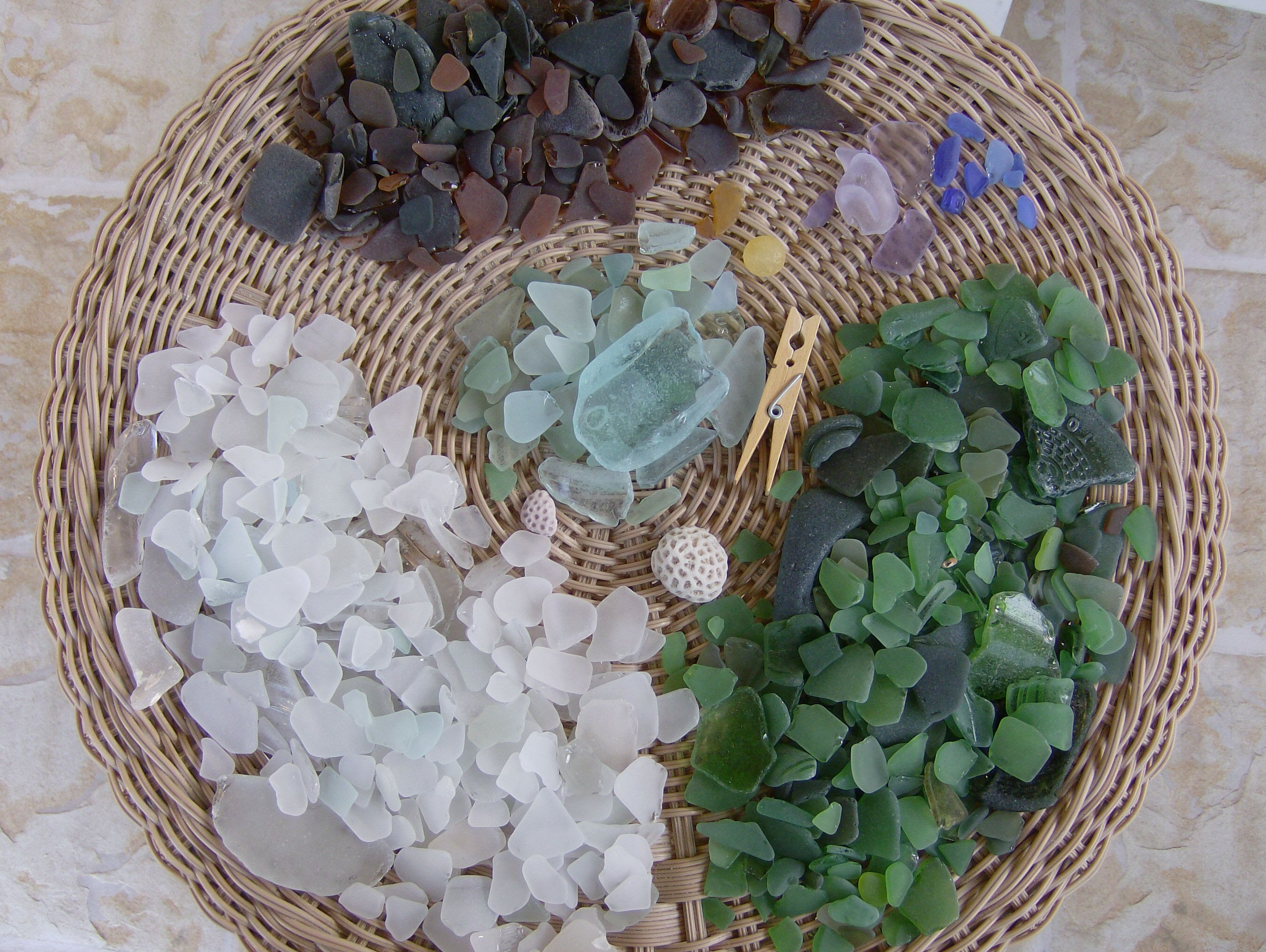 http://seaglassfestival.files.wordpress.com/2008/08/alices-sea-glass.jpg