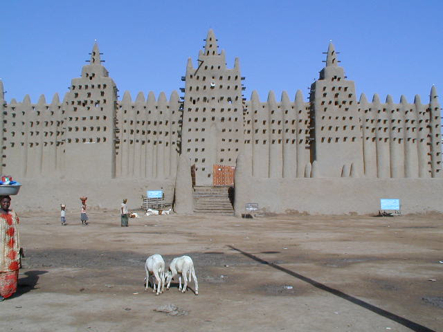 File:Great Mosque of Djenné 3.jpg