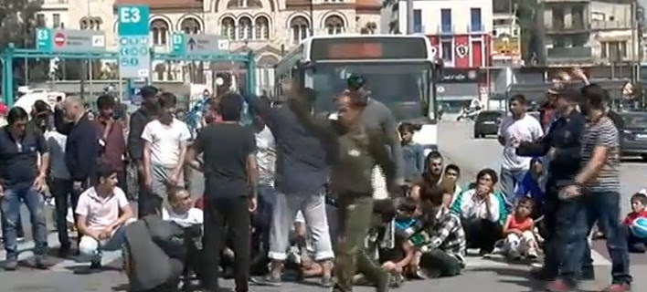 Ξεσηκώθηκαν οι μετανάστες στον Πειραιά - Απειλές και επεισόδια [εικόνες]