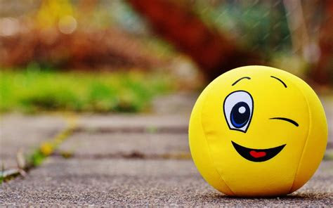 smiley face hd wallpaper hd latest wallpapers