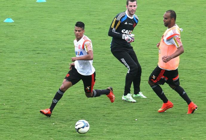 Thallysson treino Flamengo (Foto: Cahê Mota)