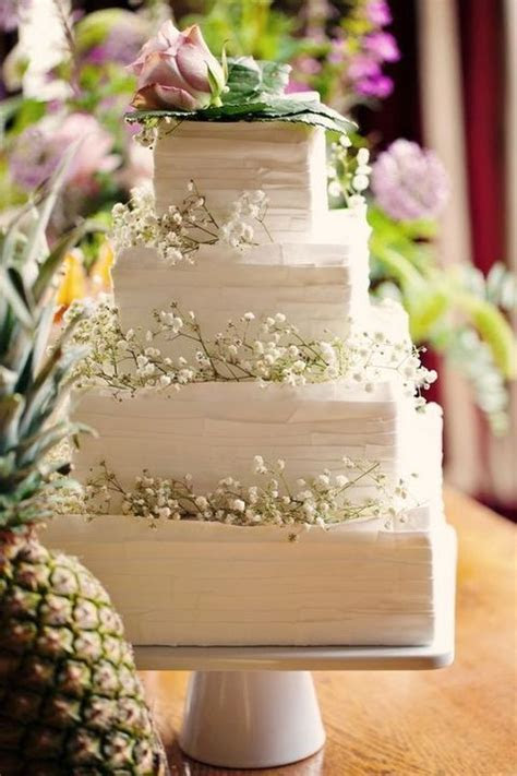 16 Unique and Eye catching Square Wedding Cake Ideas