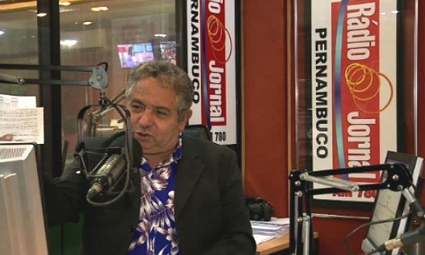 Geraldo Freire e outros comunicadores leverão aos ouvintes um resumo das notícias ao longo do dia / Foto: reprodução/TV Jornal