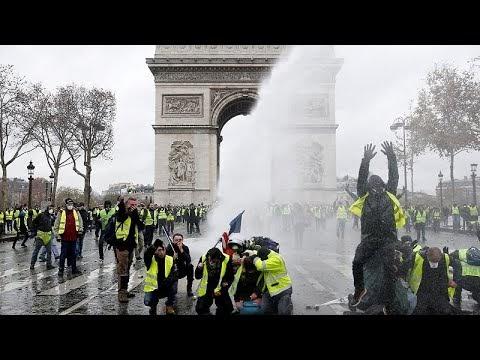 Παρίσι  Μετά τα επεισόδια διάλογος με τα κόμματα και τα «κίτρινα γιλέκα»...   6eb548b5af4