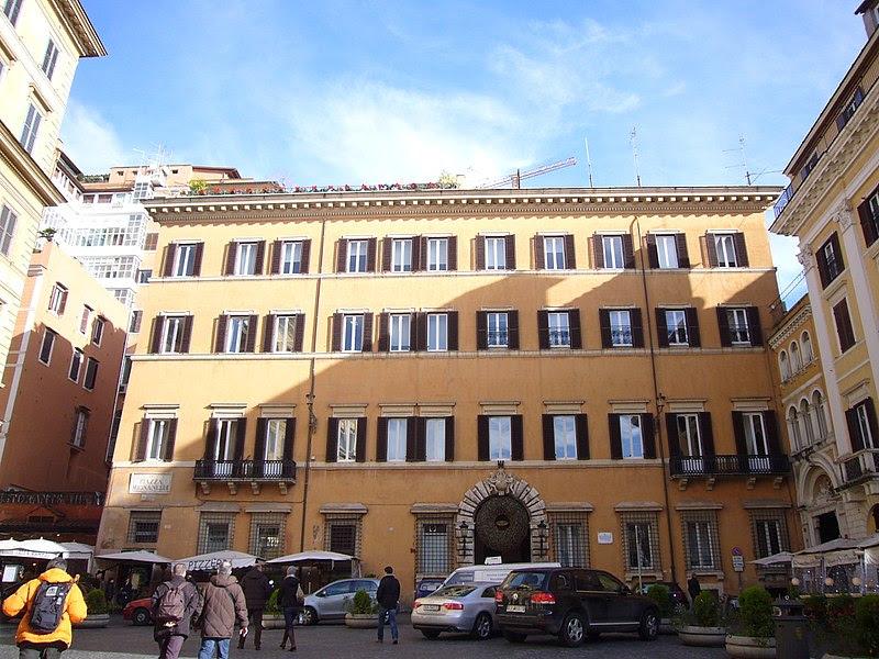 File:Campo Marzio - palazzo Mignanelli 1150599.JPG