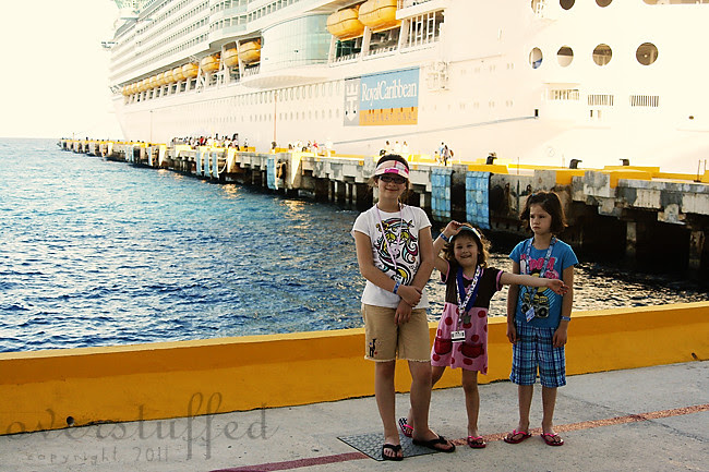 IMG_7638 girls on pier 1 web