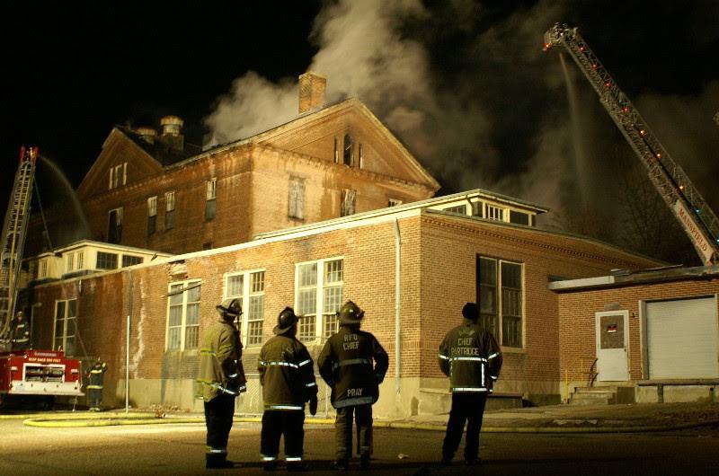 Resultado de imagem para taunton state hospital haunted