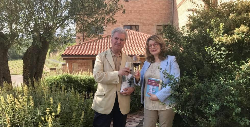 César Antonio Molina y Mercedes Monmany brinda en La Rioja.