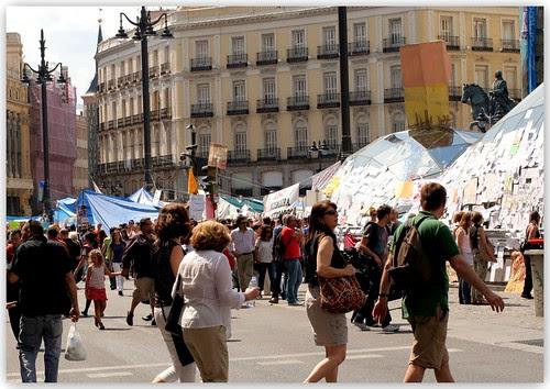 Puerta del Sol a las Cinco de de tarde del día 21 de mayo de 2011