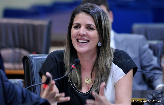 thumbnail_Verª. Nina Souza - Foto ELPÍDIO JÚNIOR (2)