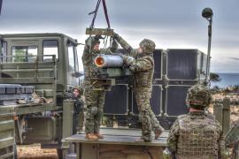 Preparación de un misil para el tiro