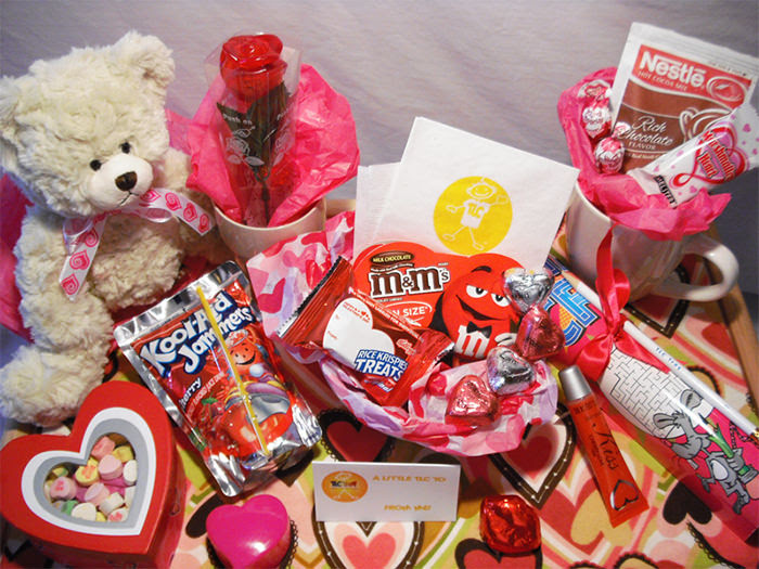 Send Gifts To Girlfriend With Romantic Deals From Indiagift This