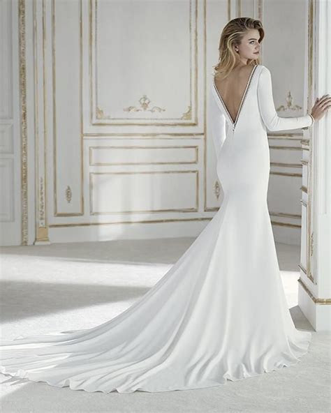 Simple Long Sleeve Wedding Dresses V Neck Silk Satin
