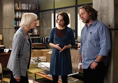 Helen Mirren, Rachel McAdams and Russell Crowe in STATE OF PLAY.