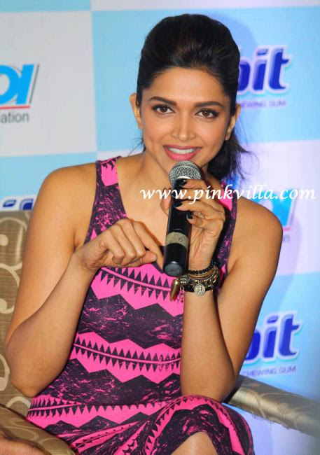 Wallpaper India: Deepika Padukone at the World Dental Show ...