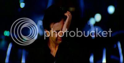 http://i347.photobucket.com/albums/p464/blogspot_images1/Bachna%20Ae%20Haseeno/37.jpg