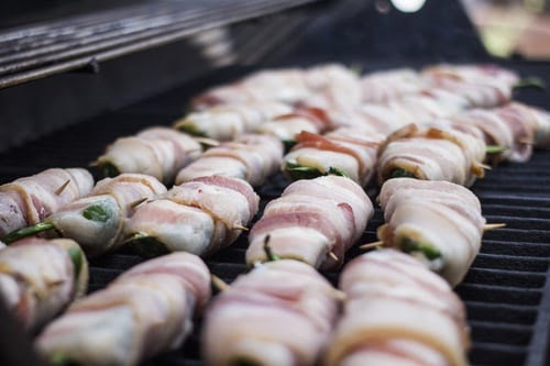 Cooking bacon-wrapped scallops in the oven
