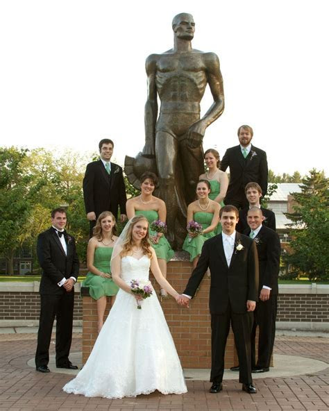 Michigan State University, wedding photo at Sparty. East