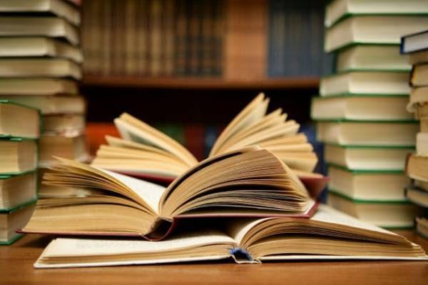 Δωρεά βιβλίων στη Βιβλιοθήκη Γαργαλιάνων