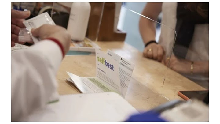 Τι λένε οι φαρμακοποιοί για τη  διάθεση των self test στους πολίτες