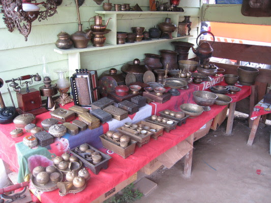 Antique items at Serikin Market