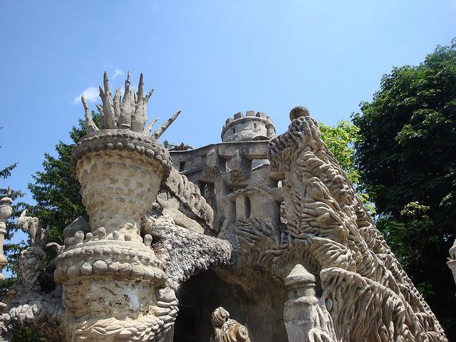 Фрагмент Идеального дворца Шеваля во Франции. Фото