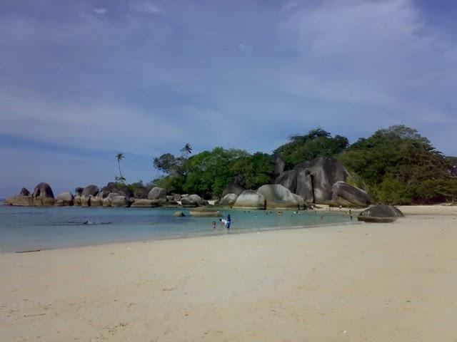 Mayasari Tour & Travel: Pesona Pantai di Belitung Provinsi ...