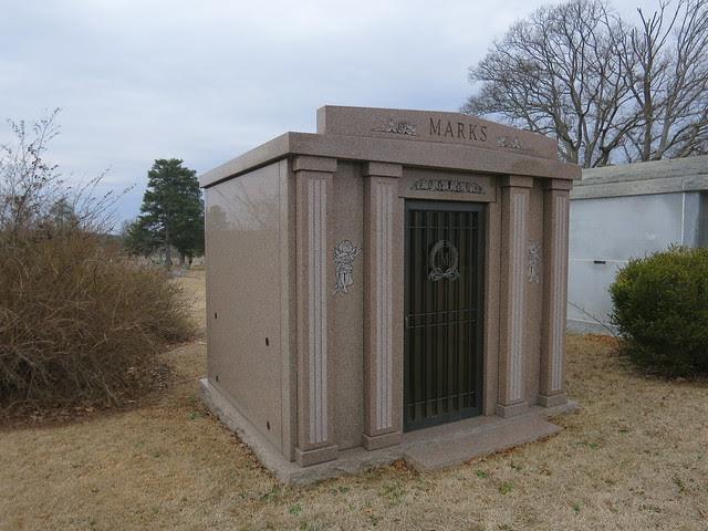 IMG_1396-2014-03-01-Westview-Cemetery-Marks-Mausoleum-stool-and-figure-inside-Atlanta