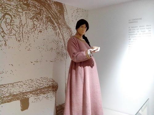 Una donna longobarda in cinta by Ylbert Durishti