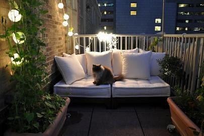 Home Improvement: Fashionable Decoration for a Balcony ...