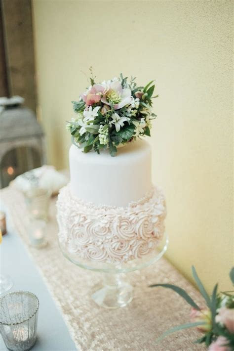 Elopement Wedding Cake Inspiration   little and delicious!