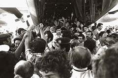 Operazione Entebbe: gli ostaggi tornano a casa