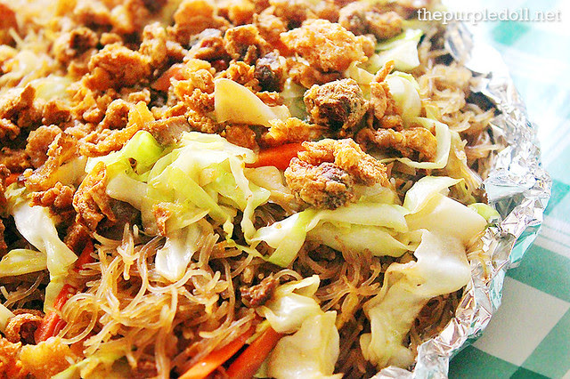 Three Sisters' Restaurant Pancit Bihon Single (P80)
