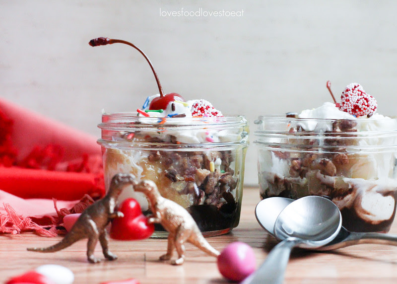 Coconut Pecan Hot Fudge Sundaes  // Loves Food, Loves to Eat