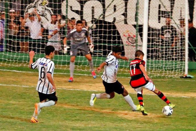 Flamengo x Corinthians, Copa brasil sub-15 (Foto: Marcos Ferreira/Secom Votorantim)