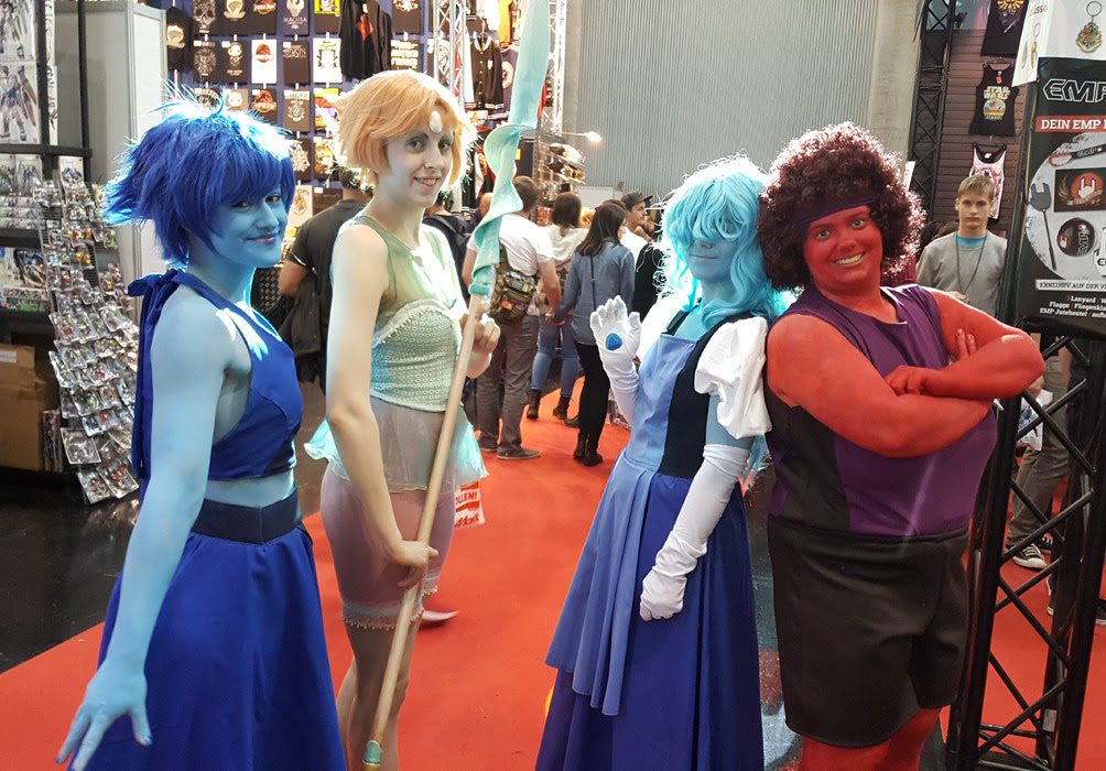 Aaahhhh, I had SO much fun with my Steven Universe cosplay group last weeked at Vienna Comic Con! :D I couldn't resist sharing it with you guys, so here's a ton of photos! Thank you to my amazing...