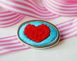 I *heart* French knots!