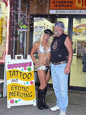 exotic piercings à Sturgis.jpg