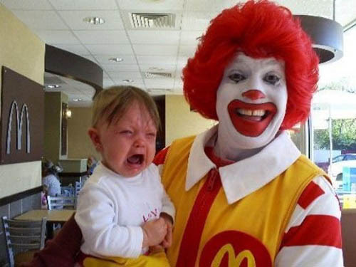 Bom humor de Palhaço McDonald's